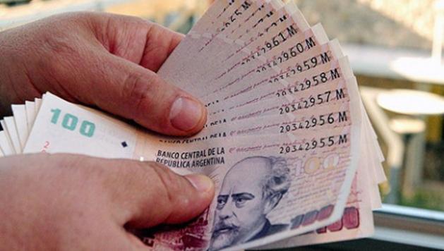 Los empleados estatales santiagueños recibirán un bono de 5.000 pesos