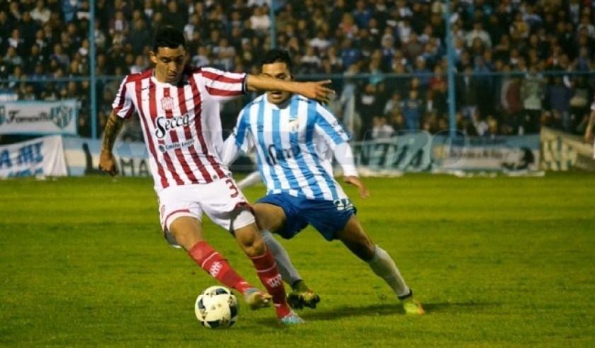 Hoy a partir de las 21.30 hs se juega el primer clásico entre Santos y Decanos