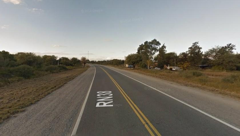 En la ruta 38 : Motochorros les robaron la camioneta de la empresa