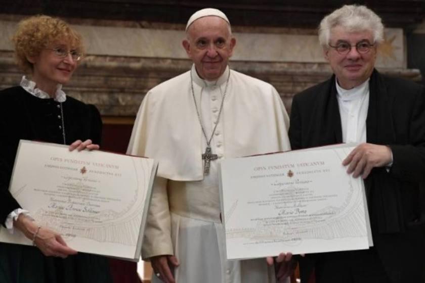 Francisco pidió más reconocimiento a la mujer en la ciencia