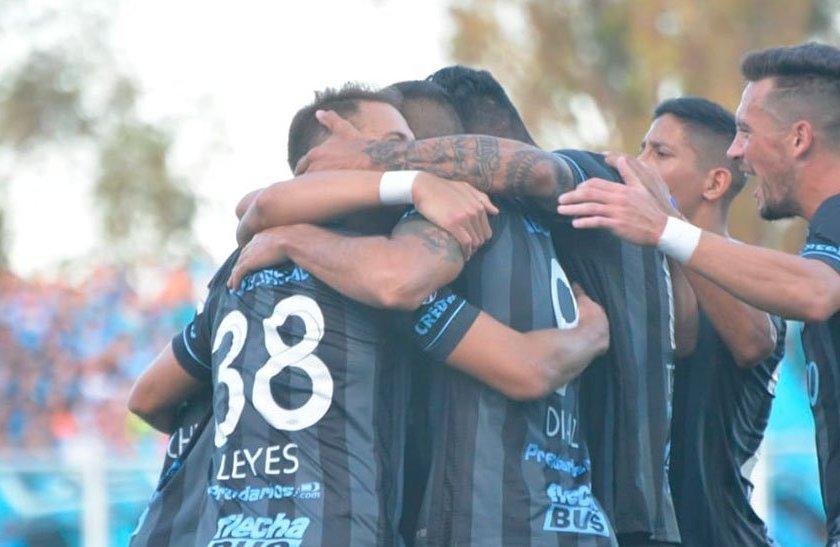 El Deca le ganó a Belgrano en Cordoba y presiona a Racing(Mira el resumen del partido)