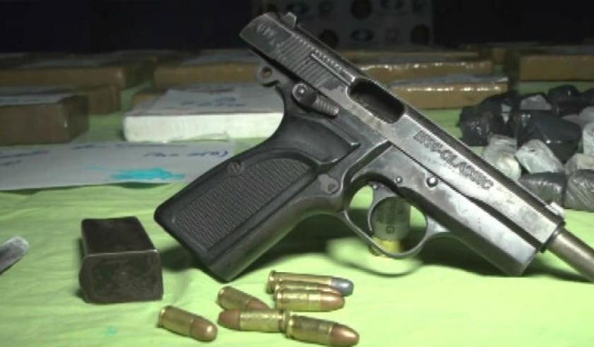 DUDOSO: Un policía denunció que le robaron el arma reglamentaria en una estación de servicio