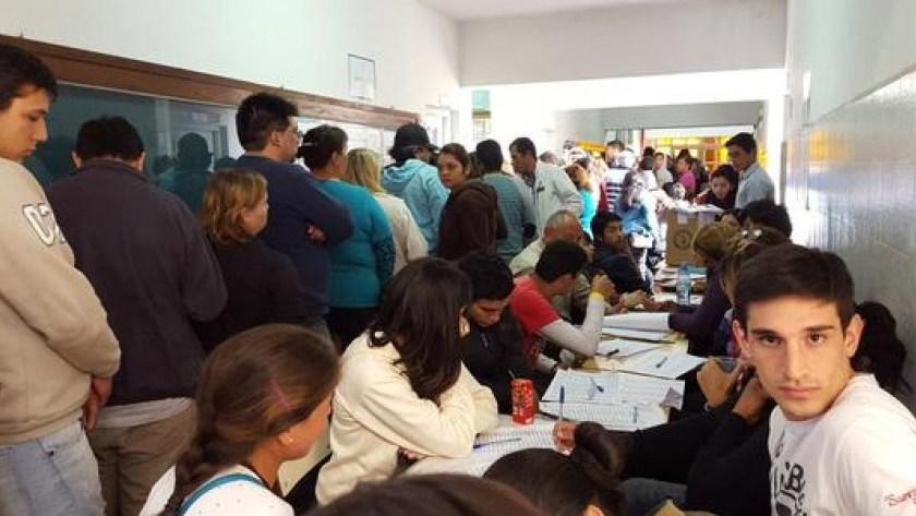 """"""" DEMOCRACIA A PLENO """": En Graneros habrá un candidato cada 12 votantes"""