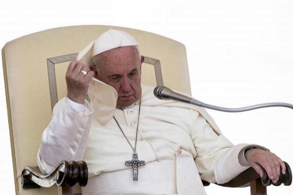 El papa Francisco promueve la ordenación sacerdotal de hombres casados
