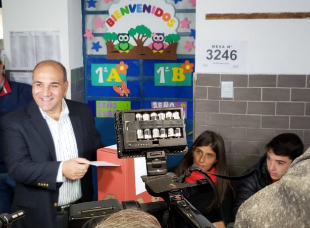 TUCUMAN VOTA: Manzur votó y dijo que espera que el comicio sea en paz