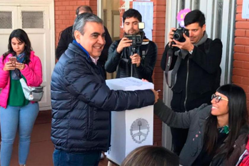 """TUCUMAN VOTA:  German Alfaro, tras votar """" Hasta el tiempo nos acompaña, es un día de la democracia """""""