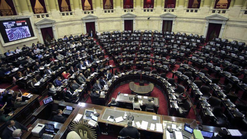 Polemico: Si una diputada renuncia debe ser reemplazada por otra mujer