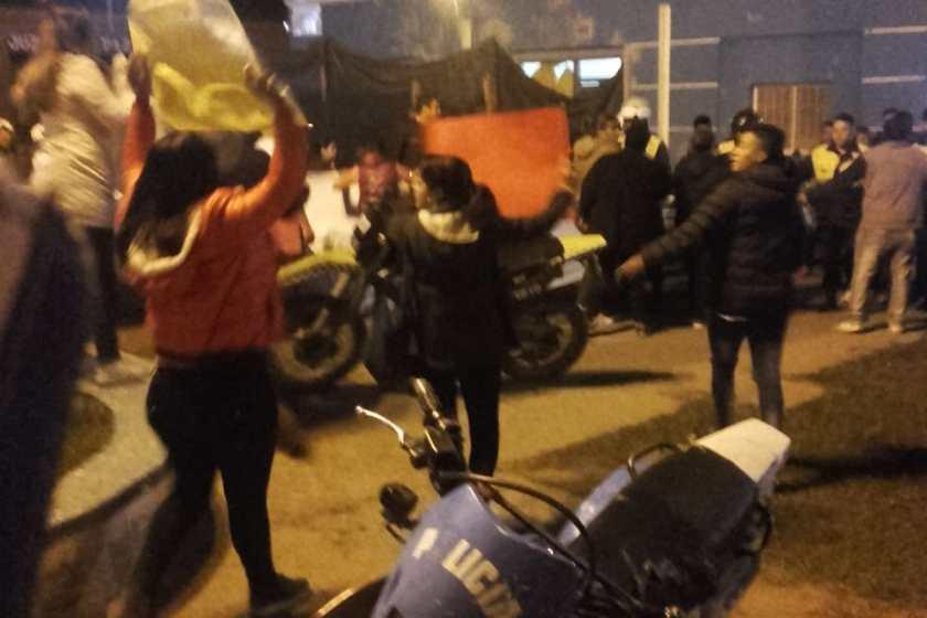 VILLA CARMELA: Denuncias de fraude y movilizacion de vecinos