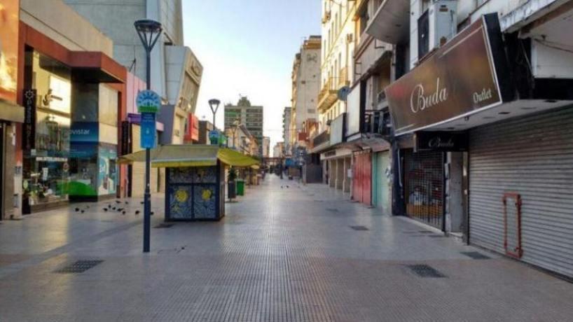 En Tucuman el lunes estarán cerrados los comercios, shoppings y supermercados