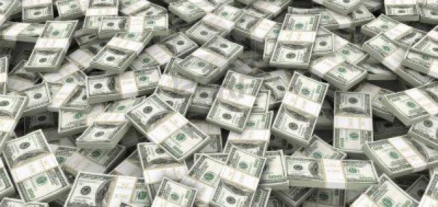 ECONOMIA: El Gobierno les dijo a los bancos que traerá U$S 20 mil millones en billetes por la demanda de los ahorristas