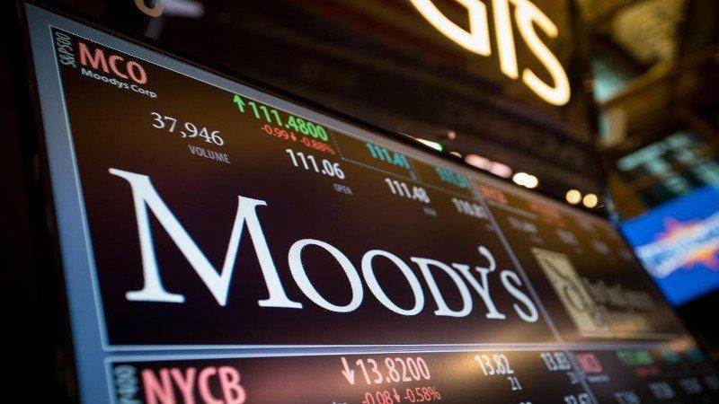 """"""" TODOS JUNTOS DEVALUADOS """": Moody's bajó calificaciones a empresas, provincias, y municipios argentinos"""