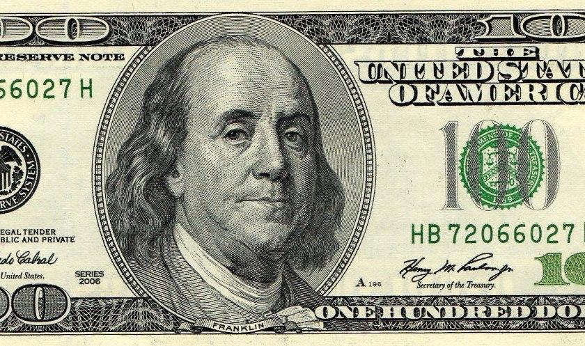 Dólar cotiza a $65 en el mercado online