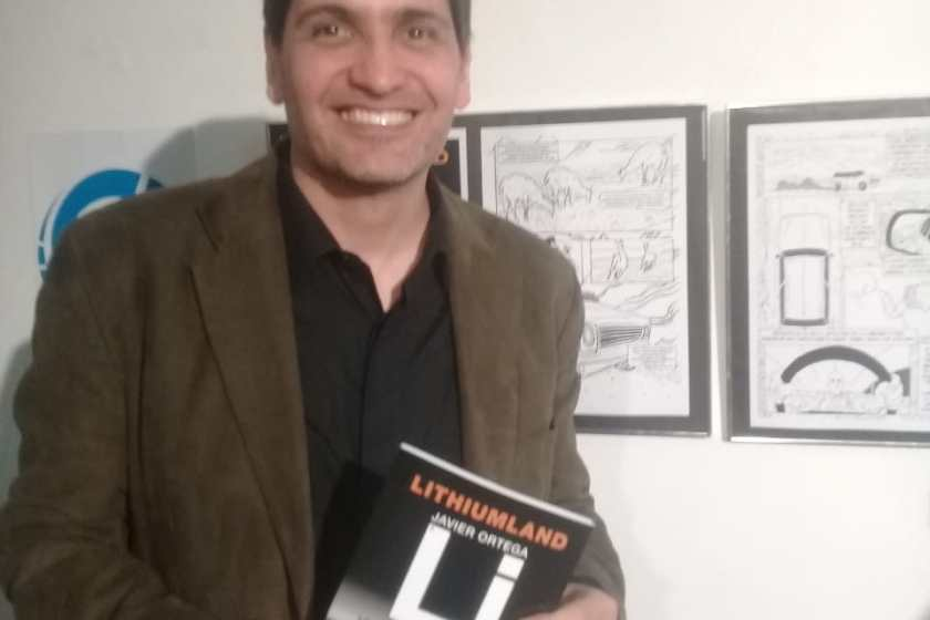 """Javier Ortega, presento su libro  """"LITHIUMLAND"""" (.:La vuelta de la logia Lautaro:.), en el Centro Cultural Virla"""
