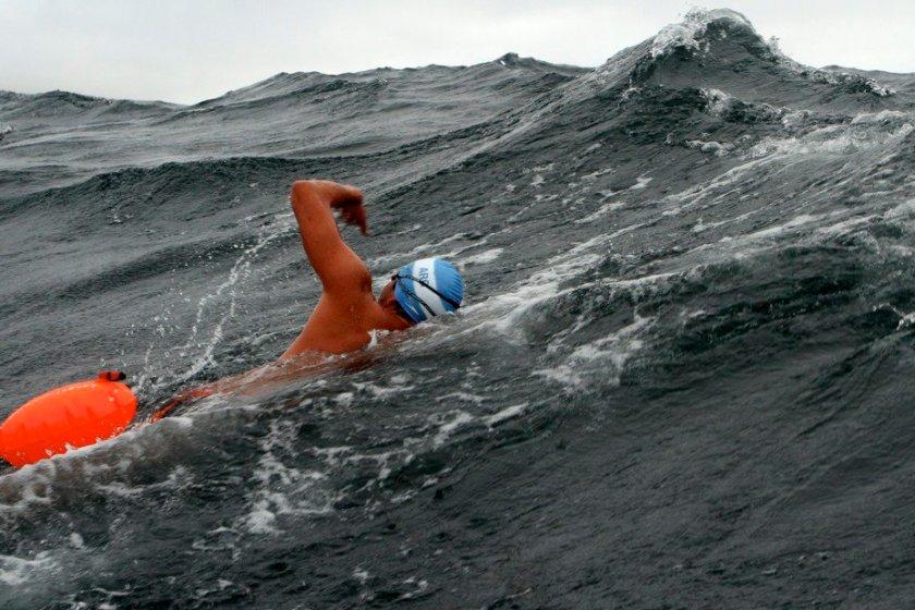 El  tucumano  Matias Ola  intenta cruzar el Canal de la Mancha