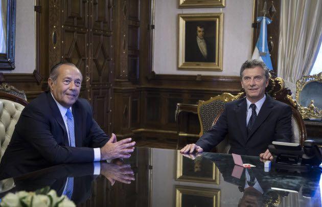 """"""" PANQUEQUE AL CUADRADO"""" : Adolfo Rodríguez Saá deja a Macri y ahora respalda a Alberto"""