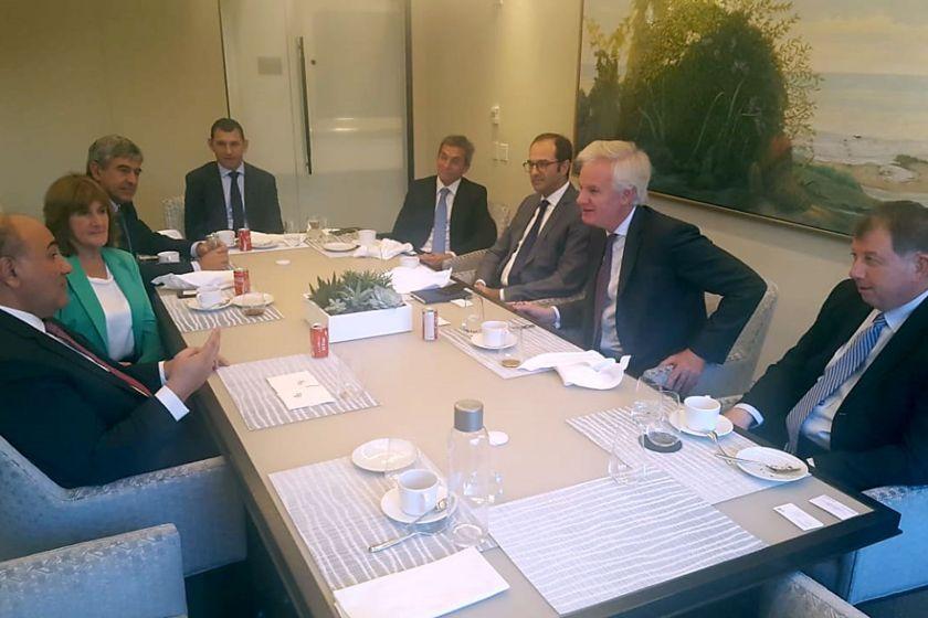 El gobernador Juan Manzur se reunió con directivos del Citi Bank en Nueva York