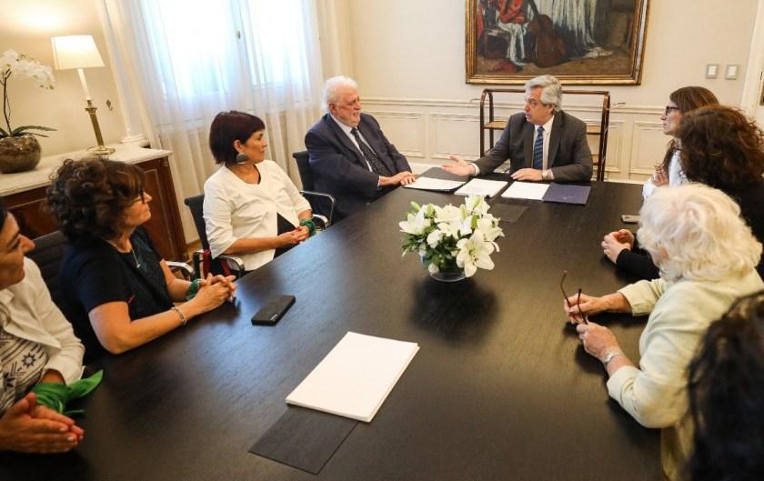 El ministro Ginés firmó el protocolo de aborto que había anulado Macri