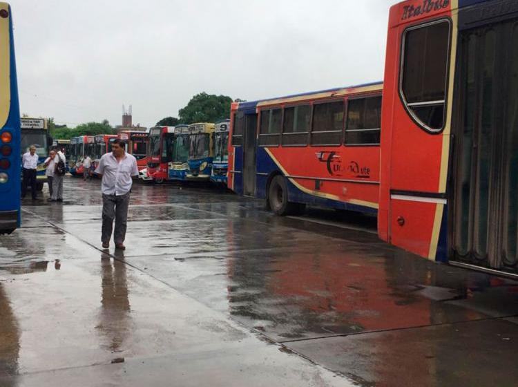 """"""" POR UN ATENTADO MAFIOSO """" : Hoy no habrá ómnibus en las líneas 9 y 109"""