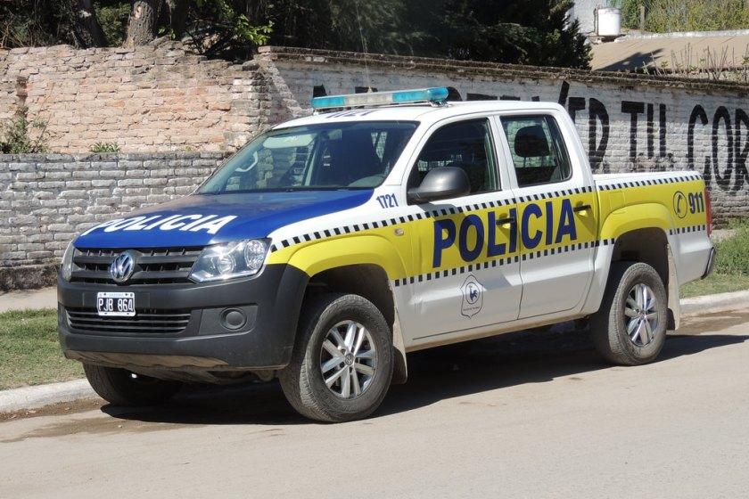 La policia de Tucuman, se quedo sin poder cargar nafta por falta de pago