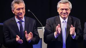 """"""" FUERTE MENSAJE DE CONVIVENCIA POLITICA"""" : Macri y Fernandez comparten la misa en Lujan(VIVO)"""