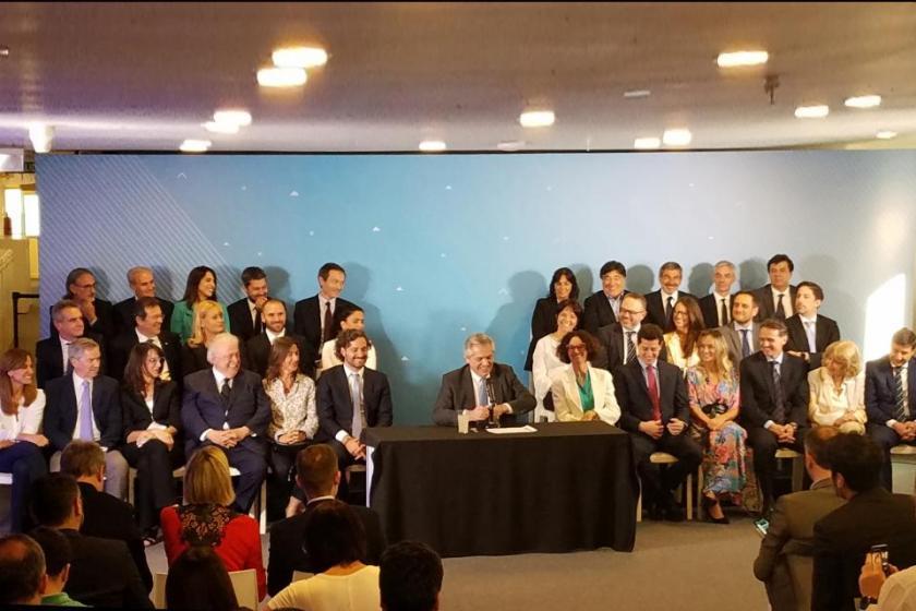 Fernández presentó a su gabinete de ministros