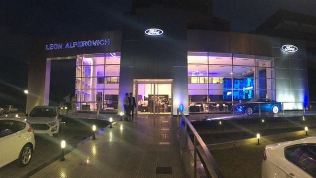 Le cambian el nombre Alperovich a la concesionaria Ford de Tucumán para despegarse del escandalo