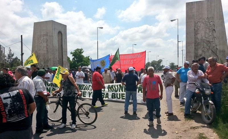 Por el no pago de la Cláusula Gatillo: Gremios estatales cortarán las rutas este jueves