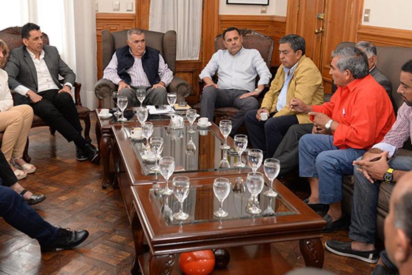 """"""" CLAUSULA GATILLO """": El gobierno provincial se comprometió a pagar y pide tiempo"""