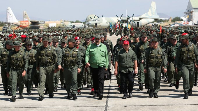 Venezuela muestra su poderío militar con maniobras donde participan más de 2 millones de combatientes