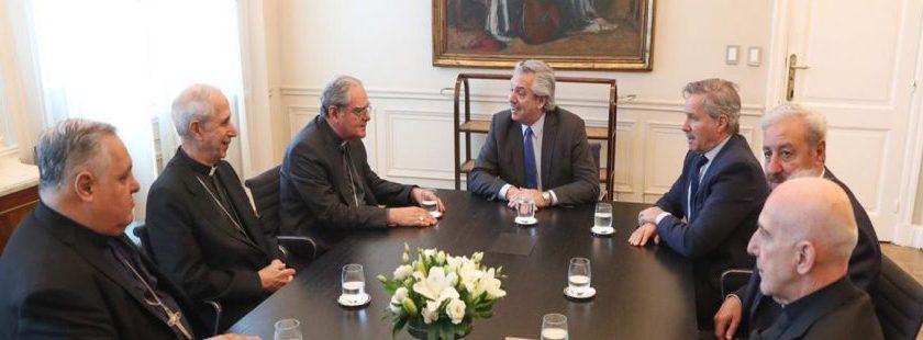 El presidente Fernandez hace un gesto a la Iglesia y permitiría que las clínicas privadas se nieguen a practicar un aborto