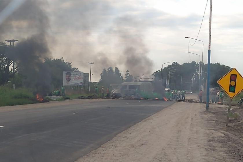Demoras en la ruta a Tafí del Valle: Hay cortes intermitentes de trabajadores estatales que reclaman por la cláusula gatillo