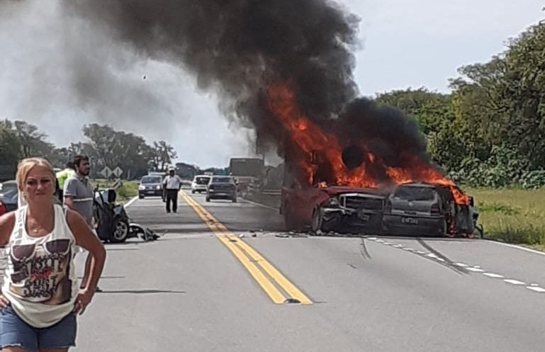 Fatal accidente en Choromoro: murió una mujer y hubo 8 heridos (videos)