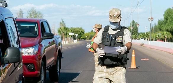 Mendoza: Volvían de un asado y escondieron a los hijos en el baúl