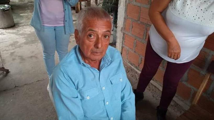 Tucuman: Un jubilado con alzheimer se perdió en la fila del banco y no cobró
