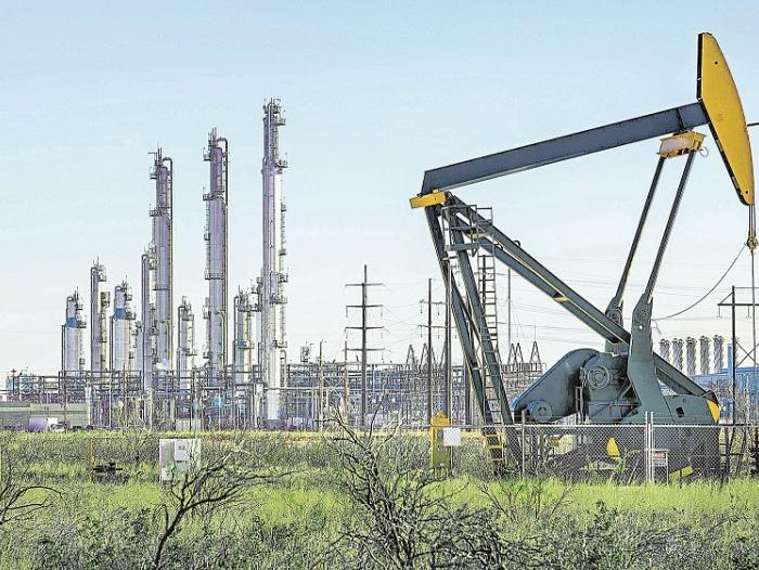 EFECTO CORONAVIRUS: El precio del petróleo en EE.UU. vale negativo. Los productores pagan por colocar el crudo