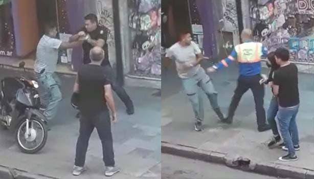 Violenta pelea de vendedor ambulante con inspectores de transito en pleno centro