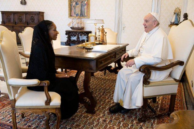 ROMA: La embajadora ante el Vaticano presentó sus cartas credenciales ante el papa Francisco