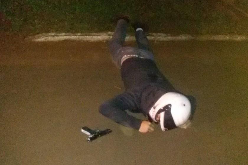 Justiciero mato de un disparo a un motochorro que intentaba robarle a una mujer, ocurrio en El Colmenar