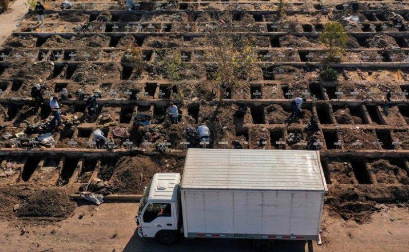 Panorama desolador: Cavan tumbas en Chile por el incremento de casos por el coronavirus