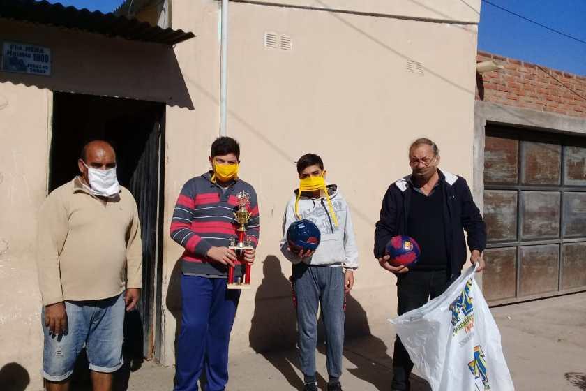 El legislador Horacio Vermal hizo llegar su colaboración a un proyecto de escuelitas de futbol barriales
