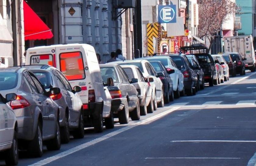"""Fin al """"libre estacionamiento"""" en avenidas y calles céntricas de San Miguel de Tucuman"""