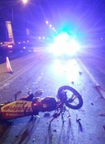 Un joven motociclista impactó de frente con una rastra cañera y murió en la ruta 38