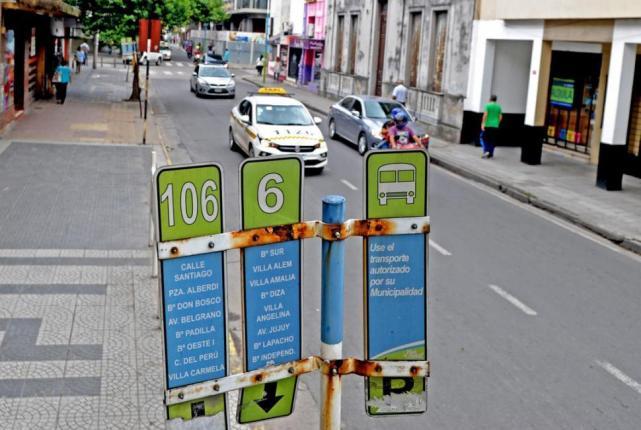 Tucuman: Continua el paro de colectivos, las empresas todas insolventes, dependen de un subsidio de la nación para continuar la actividad