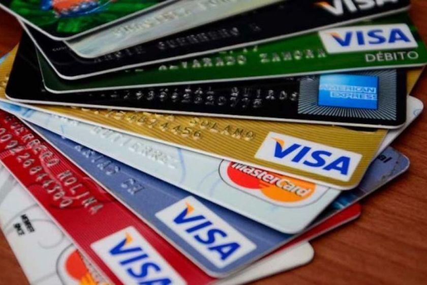 Estafa del gobierno junto a Bancos para los que financiaron sus tarjetas a 9 meses: el costo es mucho más caro