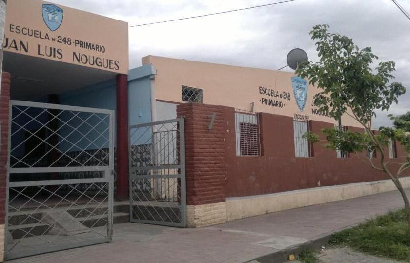 La policía detuvo a un ladrón en la escuela Juan Luis Nougués