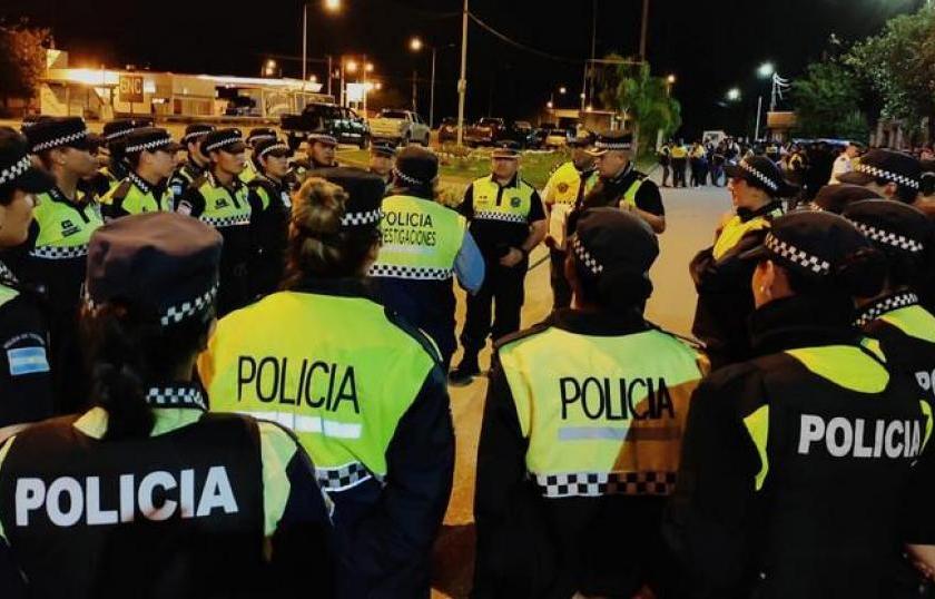 """Según la policía tuvo un alto acatamiento el """"toque de queda"""