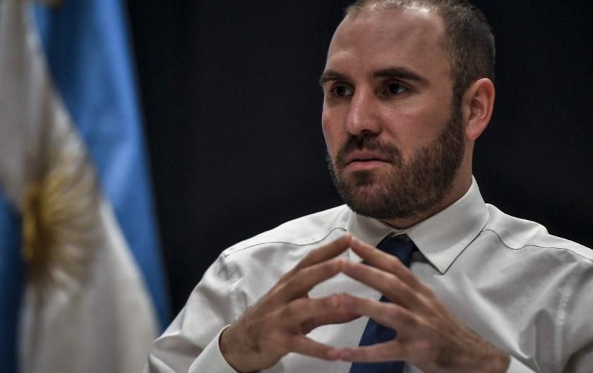 El ministro Guzmán tuvo éxito en una licitación clave para frenar el dólar y sacó del mercado 250.000 millones de pesos