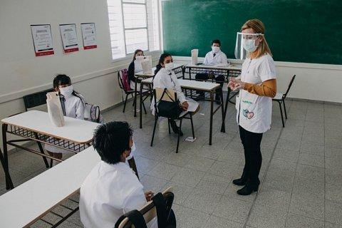 Regresarian las clases para alumnos de sexto año de primaria y secundaria