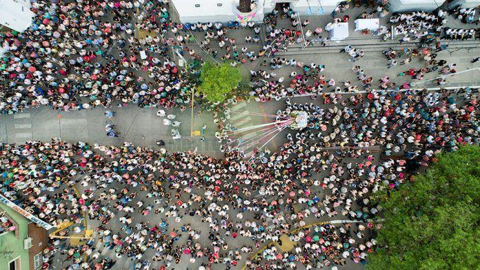 ALARMANTE: Descontrol de fieles en Monteros por la celebración del día de la virgen del Rosario