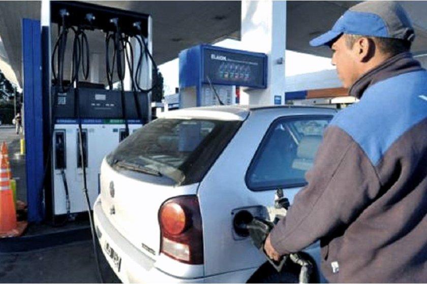 BRONCA: YPF la petrolera estatal solo beneficia con 15% de descuento a los porteños y bonaerenses